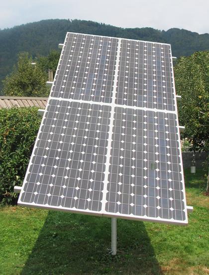 suiveur solaire 1 axe pour 4 panneaux solaires solar kit. Black Bedroom Furniture Sets. Home Design Ideas